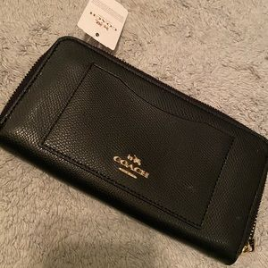 NWT Authentic Coach leather wallet